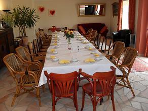 Die Cafeteria im Seminar- und Schulungszentrum auf Artmanns Hof